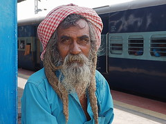 Tirupati - Sadhu (sharko333) Tags: travel reise voyage asia asien indien india tirupati railway station portrait people man sadhu olympus em1