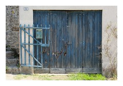 Blue on blue... (DavidB1977) Tags: france picardie hautsdefrance gerberoy fujifilm x100f oise portail