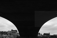Under the bridge (Elios.k) Tags: horizontal outdoors nopeople wideangle bridge underthebridge castle fortress châteauroyaldamboise building architecture royalcastleofamboise unescoworldheritage pontdumaréchalleclerc light shadow sky clouds cloudy weather blackandwhite bw monochrome travel travelling august2017 summer vacation canon 5dmkii photography amboise centrevaldeloire loirevalley france europe