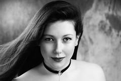 Portrait d'Elisa 08-05-2018 (phonia20) Tags: portrait femme girl woman fille brunette beauty beautiful studio hair look regard face visage blackandwhite bw monochrome pentax