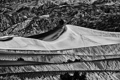 Silver Dunes (Luca Bobbiesi) Tags: blackwhite biancoenero dune deathvalley usa canoneos7d canonef70300mmf456isusm
