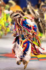 Gathering of Nations: Intensity (OJeffrey Photography) Tags: albuquerque gatheringofnations gon nativeamerican nativewarrior americanindian dancer powwow nm ojeffrey ojeffreyphotography jeffowens nikon d500