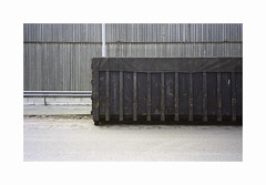 ** (ha*voc) Tags: minoltacle minoltarokkor40mmf2 rangefinder film fujipro160s urban urbanabstraction structures abstraction mundane beverwijk