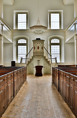 2018-04-28 16-59-58 (_MG_3177) (mikeconley) Tags: johnstown newyork eriecanal church altar aisle pulpit nave sanctuary pew boxpew fortherkimer usa