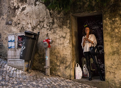 Sintra (Howard Yang Photography) Tags: sintra portugal leicam 24mmelmar streetphotography smoker