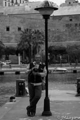 Es un Angel (josmanmelilla) Tags: melilla españa blanco negro pwmelilla flickphotowalk pwdmelilla pwdemelilla puerto agua mar