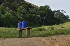 Produção rural (Márcia Valle) Tags: piau ribeirãodosalmeidas minasgerais brasil brazil nikon nature landscape paisagemmineira márciavalle d5100 nikkor70300mm interior zonarural ruralscene milk leite