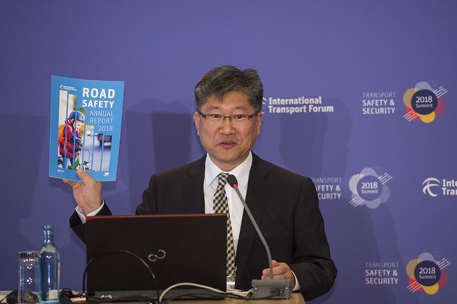 Young Tae Kim presenting the Road Safety Annual Report 2018