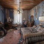 Abandoned house thumbnail