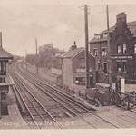 Weld Road Railway Crossing Birkdale thumbnail