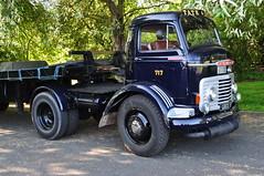 1958 Commer QX Tractor UXX154 Bernard Bailey (Richard.Crockett 64) Tags: commer qx tractor trailer truck lorry commercialvehicle uxx154 bernardbailey hcvs historiccommercialvehiclesociety londontobrighton crystalpalace londonboroughofbromley 2018
