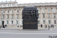 The Women of WWII (Poo.243) Tags: london londres angleterre england royaume uni united kingdom women wwii world war two guerre mondiale seconde monument