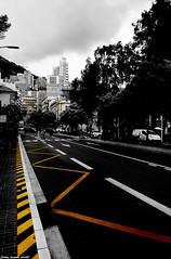 ScèneUrbaine... (SabineLacombe) Tags: ville urbain jaune zone