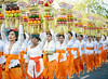 Mepeed Procession (©Helminadia Ranford) Tags: bali ceremony mepeed procession hindu religion women offerings temple
