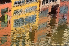 Riu Onyar, Girona. (Nordwest700) Tags: nordwest700 canon7d ef24105mmf4lisusm abstract abstracto girona riu rio river water colores colors