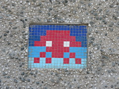 Space Invader LDN_077 (tofz4u) Tags: reactivationteamuk spacerescueintl reactivated restauré london londres uk angleterre unitedkingdom streetart artderue invader spaceinvader spaceinvaders mosaïque mosaic tile ldn77 ldn077 bleu blue red rouge