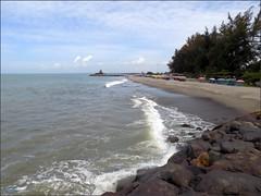 Sumatra Pariaman Beach 20180107_112742 DSCN1204 (CanadaGood) Tags: asia seasia asean indonesia indonesian sumatra westsumatra sumaterabarat pariaman beach sea indianocean tree shore rock canadagood 2018 thisdecade color colour