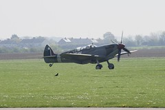 Landed (MJ Harbey) Tags: airplane aeroplane spitfire duxford cambridgeshire iwm imperialwarmuseum ww2 ww2aircraft nikon d3300 nikond3300 landing airfield grass
