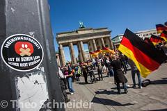"""Rechter Aufmarsch """"Biker für Deutschland"""" (Theo Schneider) Tags: aufmarsch berlin bikerfürdeutschland demonstration flüchtlingsfeinde flüchtlingsgegner kundgebung mitte rassismus rechtsextreme rechtsextremismus rechtspopulismus"""