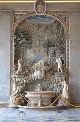 La fontaine de la loggia d'Hercule (Palais Farnese, Caprarola, Italie) (dalbera) Tags: dalbera escalier caprarola italie palaisfarnese vignola peinturesmurales maniérisme fontaine