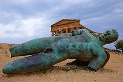 IMGP0058 Fallen Icarus in front of the  Tempio della Concordia (Claudio e Lucia Images around the world) Tags: apollo tempio tempioconcordia agrigento greektemple templigreci valledeitempli antiques archeology history beautifulitaly fallenicaro icarus fellenicarus temple pentax pentaxk3ii sigma sigma1020