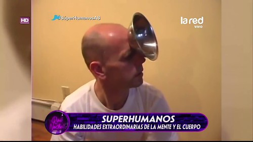 La Red Chilean TV channel Superhumanos ( Super Human ) Miroslaw Magola alias Magnetic Man.