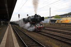 Verein Pacific 01 202 vertrekt met een trein richting Nennig (vos.nathan) Tags: verein pacific br 01 baureihe 202 db deutsche bundesbahn trier hbf hauptbahnhof