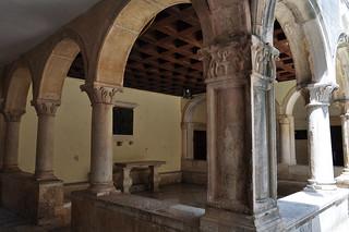 Halle couverte de l'Hôtel de Ville, Korčula, comitat de Dubrovnik-Neretva, Dalmatie, Croatie.