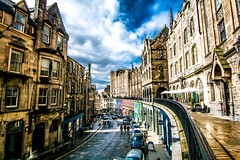 Victoria street (martineugenio) Tags: city edimburg edificio building sky downtown escocia scotland color colour people