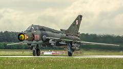 Su-22M4 (kamil_olszowy) Tags: su22m4 fitterk fighter bomber polish air force epsn świdwin poland green kamoflage ub32 p50 bomb 8715 су22м4 sukhoi сухой ввс польши