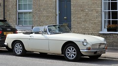 VWO 226H (Nivek.Old.Gold) Tags: 1970 mgb roadster 1798cc