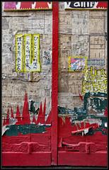 La Porte des Manga (Gramgroum) Tags: street art graffiti affiche porte fenetre manga collage sticker usure japon marseille lepanier panier quartier
