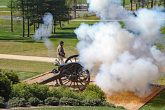 Civil War Re-enactment at Cumberland Plantation (Beltway Photos) Tags: newkent newkentcounty cumberlandplantation 1600s 1700s virginia unitedstates plantation antebellum 2018gardenweek