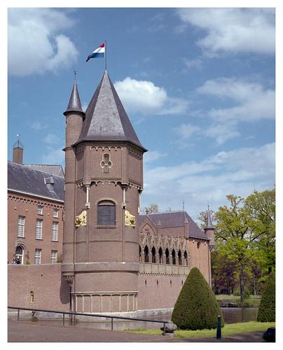 AGU12 Kasteel Heeswijk met vlag in top