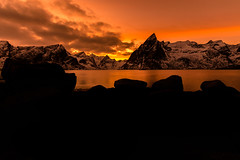 Sunset over Olstinden (webeagle12) Tags: nikon d7200 europe nature earth planet mountains norway lofoten islands reine hamnoy artic village bay festhelltinden olstinden sunset