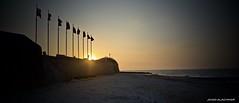 Couché de soleil qui se cache… (jihadalachkar) Tags: coucher soleil sunrise saintaubinsurmer normandie normandy calvados juno dday débarquement drapeaux flags sun beach plage mer sea