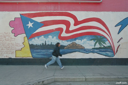 Hispanics become the majority in Humboldt Park, even as their numbers decline