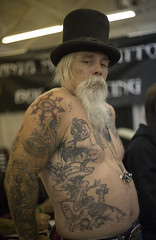 (nathalie booth) Tags: sanfrancisco california hat america beard tatoo briquet cowpalace pahud tatooartist nathaliepahud nathaliebriquet