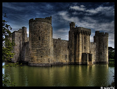 Bodiam Castle HDR (Aitor Escauriaza) Tags: bodiam s2is nationaltrust hdr castel reus canons2is aitorescauriaza