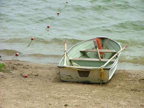 summer beach boat rowboat madisonwi endofsummer bbclarkebeach