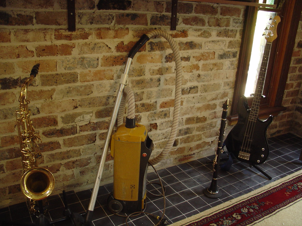 Instruments with vacuum cleaner?