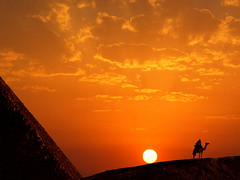 Sunset at Keops pyramid (Batistini Gaston) Tags: sunset pyramid egypt pyramide egypte cheops ghiza batistini abigfave ghize gbatistini