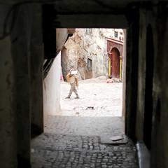 théâtre de la vie (jam-L) Tags: street portrait face algeria eyes dof crop squareformat childrens enfants algerie rue hummingbirdxmas regard algiers alger thecasbah الجزائر blackribbonicon