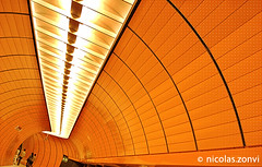 Fade to Orange (Nicolas Zonvi) Tags: people orange station germany munich lights metro ubahn exit marienplatz sonydscw50 fadetoorange ubahnmuenchen:station=mp ubahnmuenchen:line=3 ubahnmuenchen:line=6 nicolaszonvi
