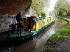 2018 0421 524 (SGS8+) Govilon; canal (Lucy Melford) Tags: samsunggalaxys8 govilon canal tunnel