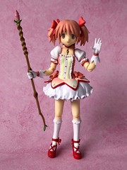 Madoka Portrait (Sasha's Lab) Tags: madoka kaname 鹿目 まどか puellamagimadokamagica magical girl high school teen gothic lolita cute pink lace ribbons bows loli loligoth gloves figma anime goodsmile gsc jfigure explored