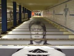 201804169 New York City subway station 'Broadway–Lafayette Street' (taigatrommelchen) Tags: 20180416 usa ny newyork newyorkcity nyc manhattan nolita icon urban central perspective railway railroad mass transit subway tunnel station art