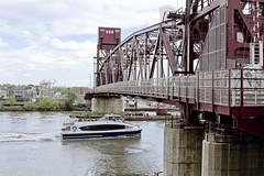 r_180521125_beat0042_a (Mitch Waxman) Tags: eastrivershoreline rooseveltisland rooseveltislandbridge newyork