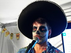 Gustav (Alizarin Krimson) Tags: makeup singer dayofthedead díasdelosmuertos díasdemuertos díadelosmuertos díademuertos sombrero hat mexican