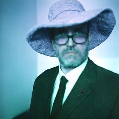 IP259 | Self as Matisse (-masru-) Tags: 120 120rollfilm film hat hut ip251300 ip259 ironphotographer lomographylomochromepurplexr100400 projects projekte rollfilm selbstportrait self utata me utata:project=ip259